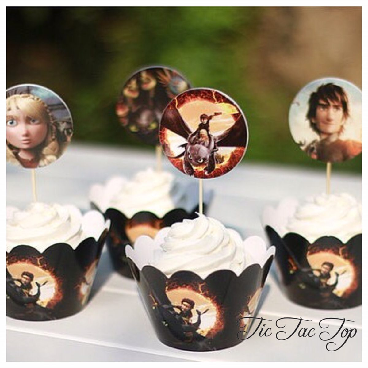 How to Train Your Dragon Cupcake Wrappers + Toppers