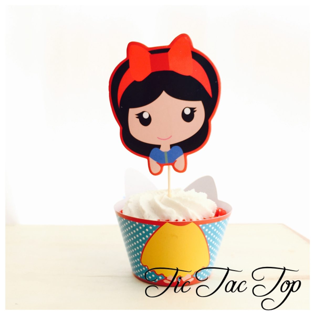 Disney Princess Snow White Cupcake Wrappers + SUPER BIG Toppers