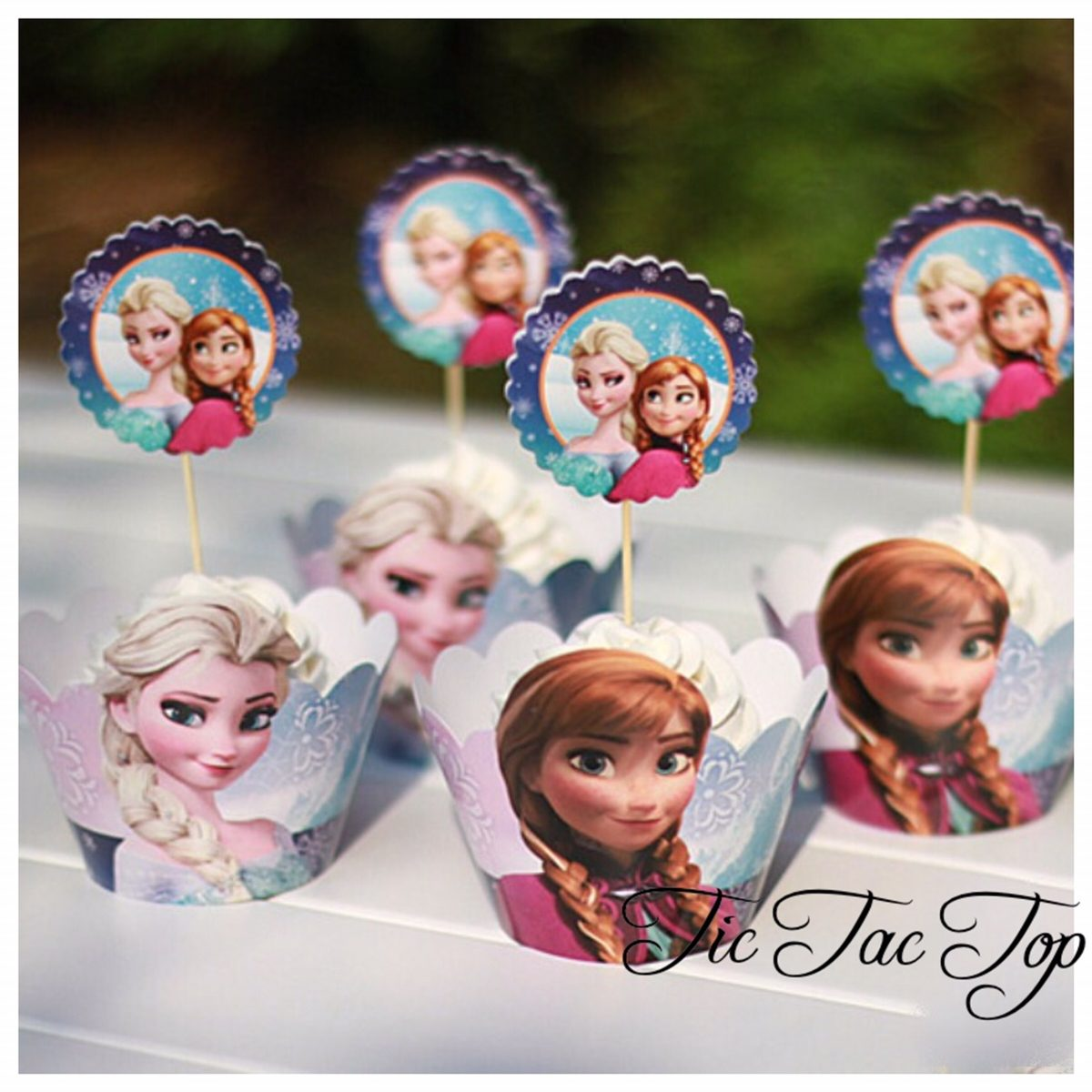 Frozen Special Special Cupcake Wrappers + Toppers